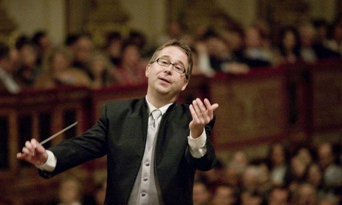 """""""Schwerer haben es die Sänger"""": Am Sonntag dirigiert Bertrand de Billy in der leeren Staatsoper """"Tosca"""" mit Anna Netrebko."""