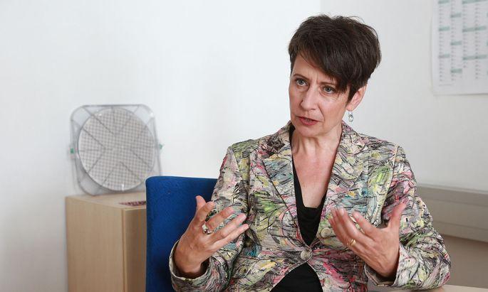 In Villach entsteht die größte Chipfabrik Europas. Infineon-Chefin Herlitschka sucht noch Fachkräfte.