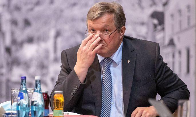 Vieles hat gut funktioniert, aber es sind auch Fehleinschätzungen passiert, sagt Tirols Gesundheitslandesrat Bernhard Tilg.