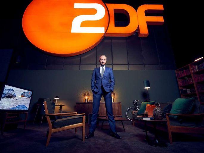 """Er ist wieder da! Der TV-Komödiant Jan Böhmermann ätzt seit Freitag im """"ZDF Magazin Royale""""."""