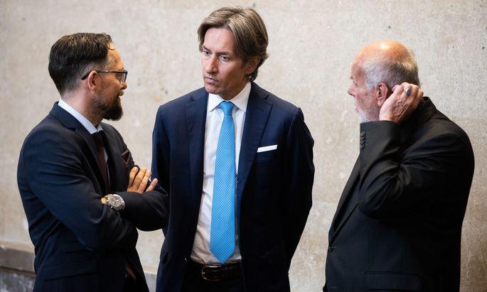 Anwalt Norbert Wess, Angeklagter Karl Heinz Grasser und Anwalt Manfred Ainedter