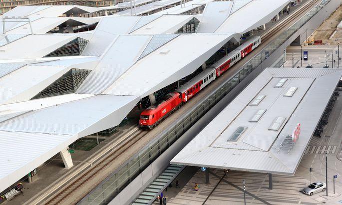 Das Ticket für Bahn, Bus, Bim und U-Bahn soll rasch eingeführt werden.