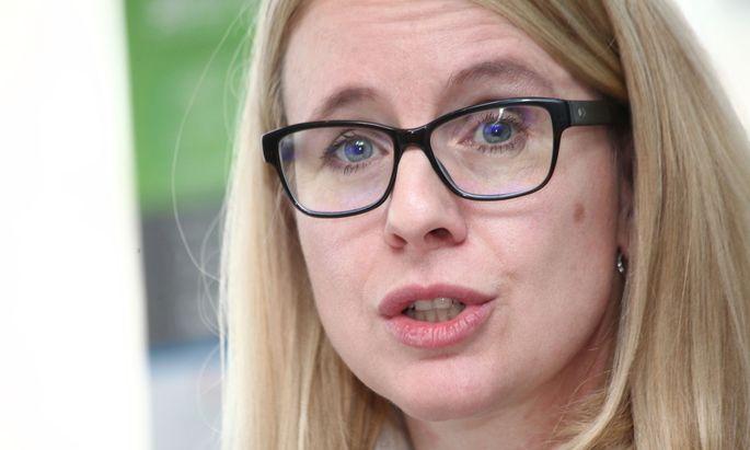 Wirtschaftsministerin Margarete Schramböck: Es werden keine Rechte beschnitten
