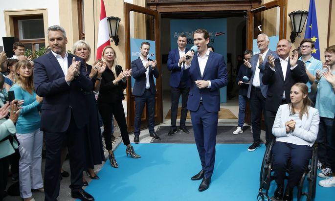 Am Bild: Kanzler Sebastian Kurz beim Wahlkampfauftakt 2019. Heute: stark in der Defensive.
