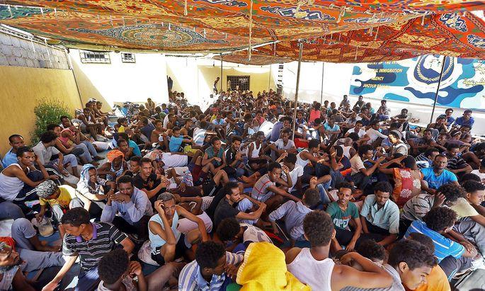 TOPSHOT-LIBYA-UNREST-MIGRANTS