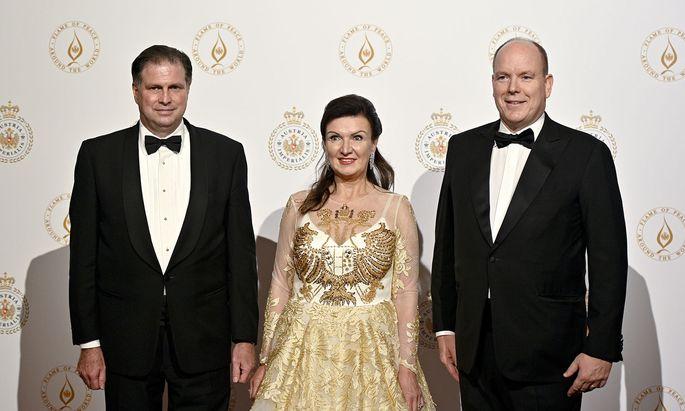 Sandor und Herta Margarete Habsburg-Lothringen und Fürst Albert II. (v. li.) in Wien.
