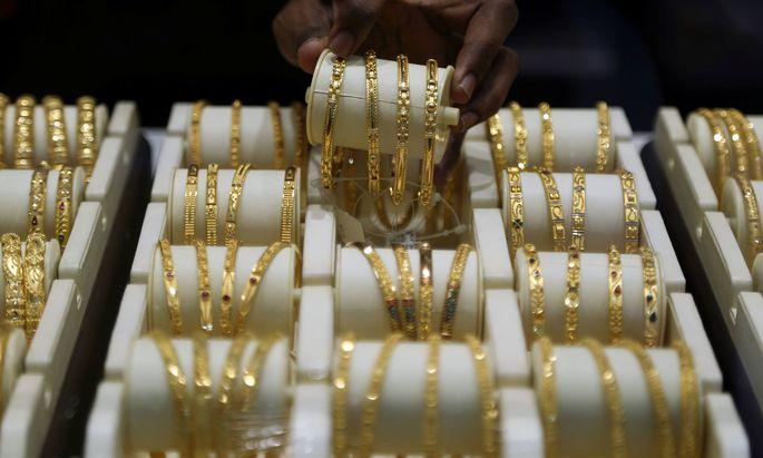 In den vergangenen Wochen beobachteten Goldkäufer eine regelrechte Lawine an Altgoldverkäufen durch Privatpersonen.