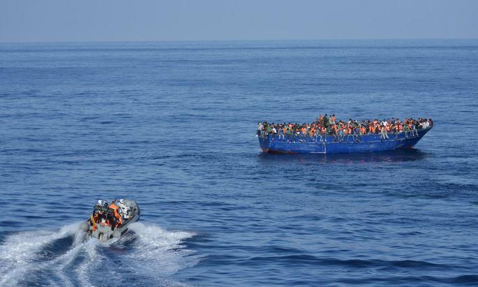 TOPSHOTS-SPAIN-EUROPE-MIGRANTS-LIBYA