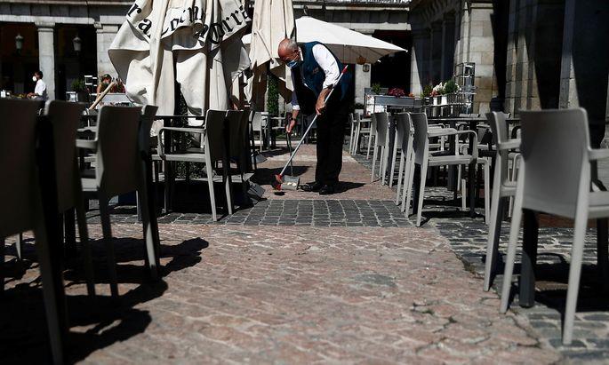 Die Wirtschaft kommt nur langsam wieder in Schwung in Europa - hier ein Bild aus Madrid. Viele Hilfsprogramme und eine hohe Arbeitslosigkeit machen neuen Schulden notwendig.