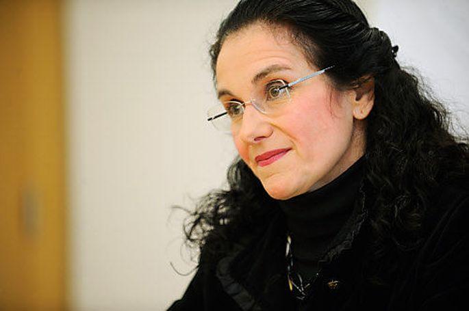 IBM-Chefin Tatjana Oppitz streitet mit dem AMS.