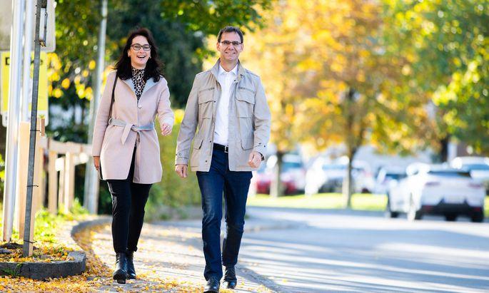 Der Wahlsieger: ÖVP-Landeshauptmann Markus Wallner und seine Frau Sonja am Wahlsonntag.