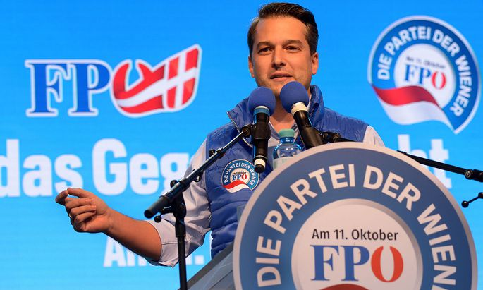 Spitzenkandidat Dominik Nepp setzt im Wahlkampf auf Altbewährtes: Stramme Polemik und Bierzelstimmung.