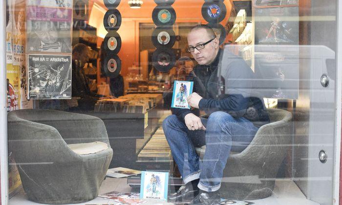 Jörg – Recordshack – Lauermann in seinem Plattengeschäft Record Shack.