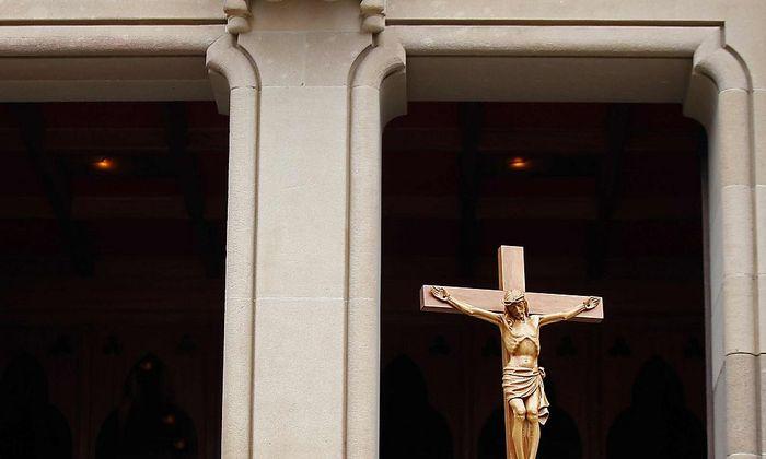 Symbolbild - Die australische Kirche zahlt Millionen an Missbrauchsopfer