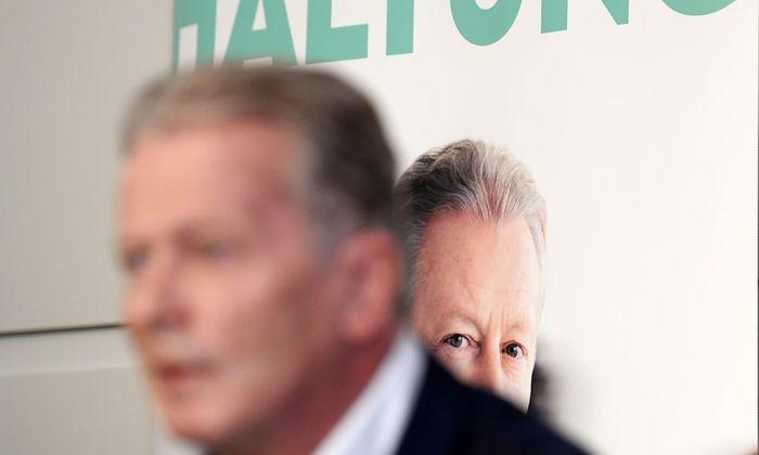 """Mit seinem neuen Buch """"Haltung"""" löste der ehemalige ÖVP-Chef und Vizekanzler Reinhold Mitterlehner eine Debatte aus."""