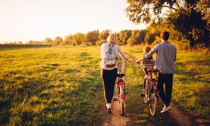 Vor allem Familien ziehen von den großen Städten ins Grüne, wie eine aktuelle Studie aus Deutschland zeigt.