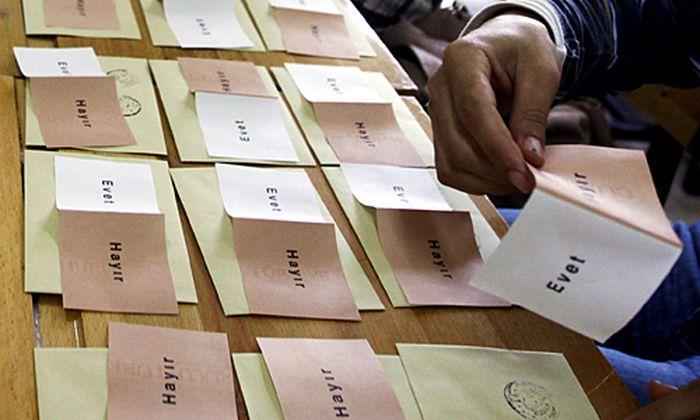 Tuerkische Verfassungsreform international begruesst