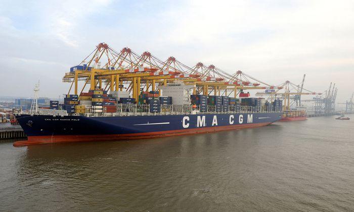 Die meisten Containerschiffe fahren mit Schweröl – und das verschmutzt die Umwelt.