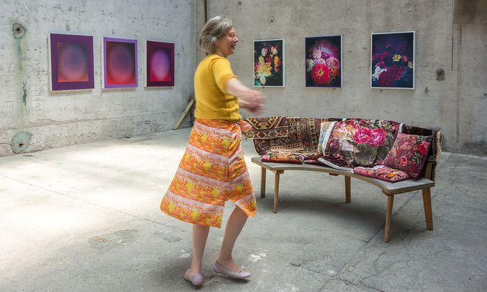 Ulrike Halmschlager im Atelier.
