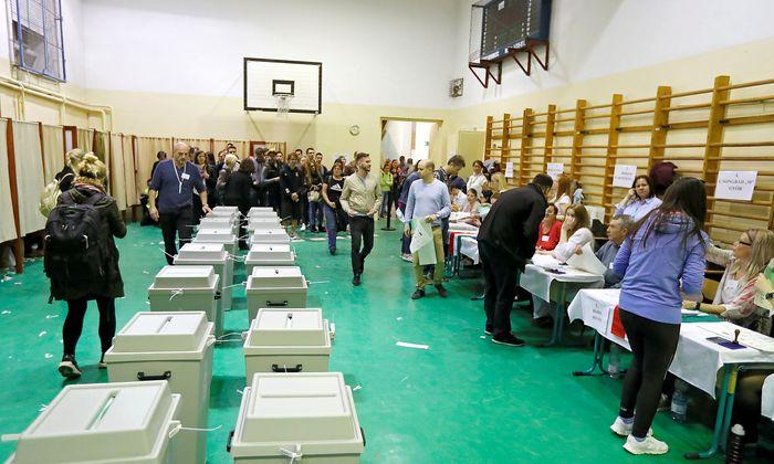 Ein Wahllokal in Ungarn.