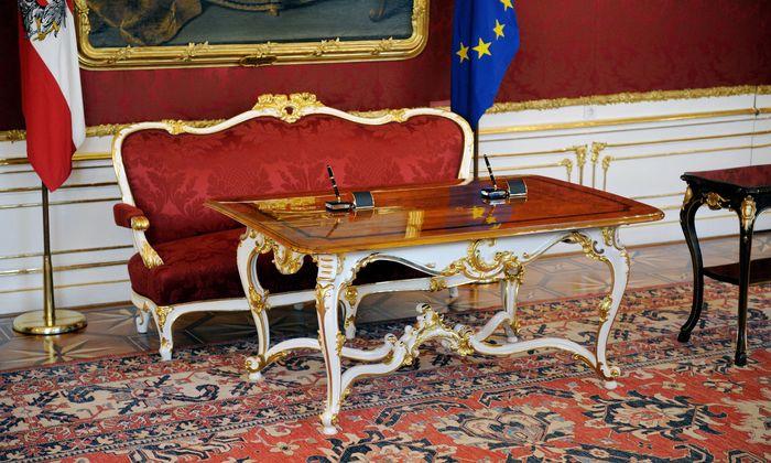 Symbolbild: Maria Theresia-Zimmer in der Präsidentschaftskanzlei im Leopoldinischen Trakt der Hofburg Wien.