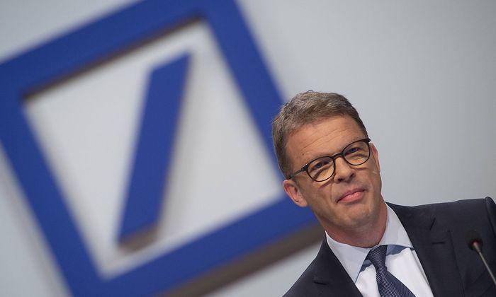 Christian SEWING Vorstandsvorsitzender CEO Hauptversammlung der Deutschen Bank AG in Frankfurt 2