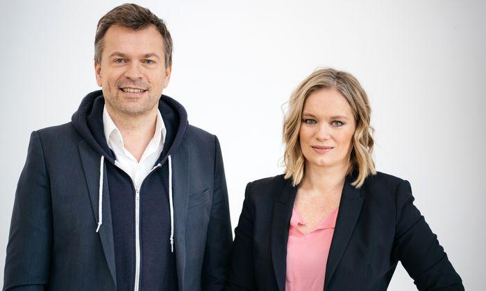 Das Autorenduo Markus Breitenecker und Corinna Milborn.