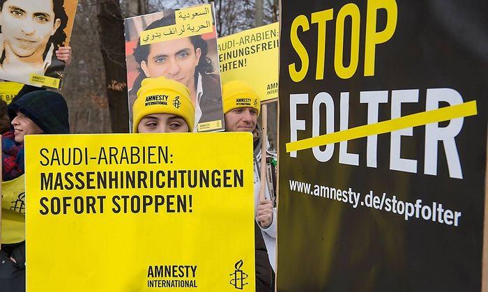 Protest gegen Menschenrechtsverletzungen in Saudi-Arabien