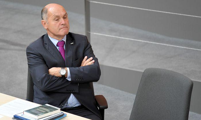ÖVP-Innenminister Wolfgang Sobotka hat eine rigide Exekution des neuen Gesetzes angekündigt.