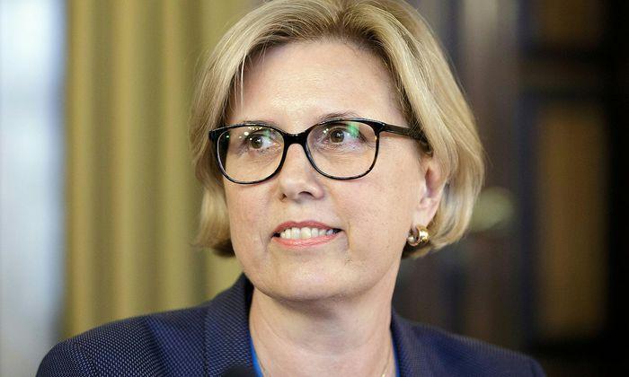 Margit Kraker kritisiert das Taktieren in der Regierung.