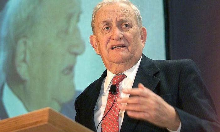 Fritz Molden (im Bild bei einer Rede im Jahr 2001) verstarb im Alter von 89 Jahren.