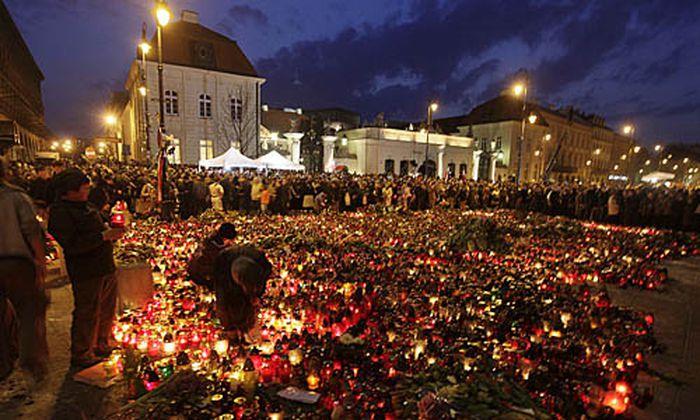 Trauer Spekulationen nach KaczynskiAbsturz