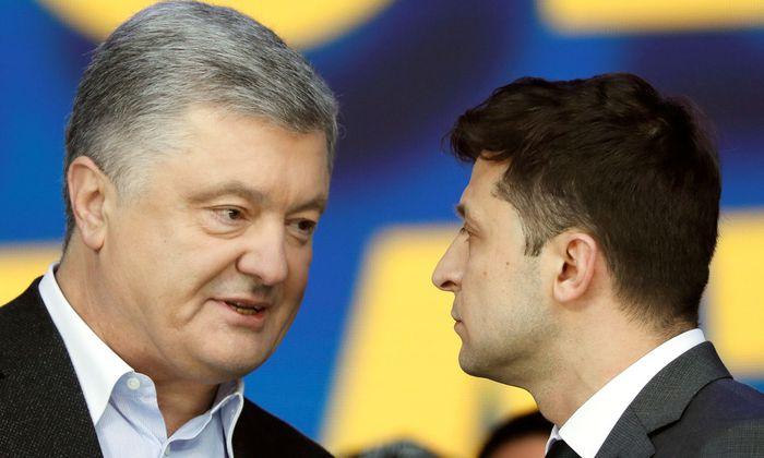 Petro Poroshenko (l.) mit seinem Herausforderer Volodymyr Zelenskiy