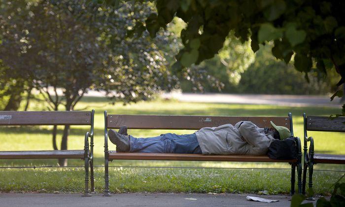 Ehemalige Obdachlose sollen zu Mitarbeitern in der Wohnungslosenhilfe ausgebildet werden.