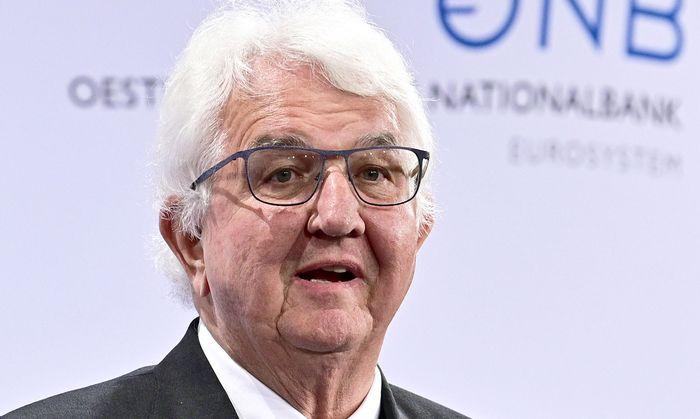 Gouverneur Robert Holzmann
