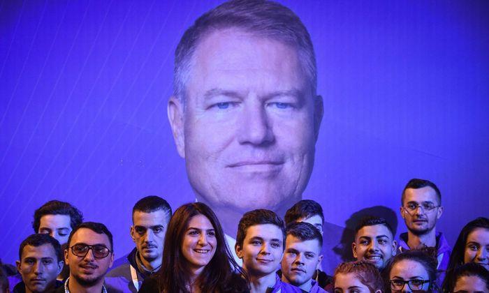 Hoffnungsträger für viele junge Rumänen: Präsident Klaus Johannis kann am Sonntag mit deutlichen Erfolgen rechnen.