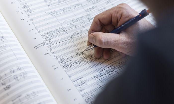Mit 17 Jahren hat sich Staud für die klassische Musik entschieden.