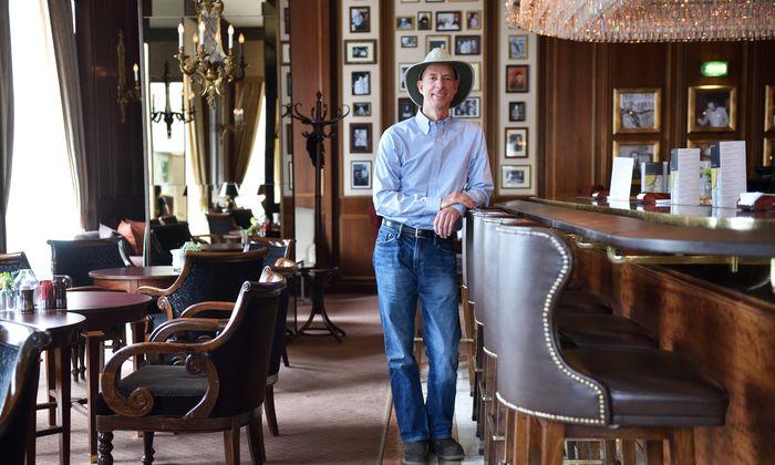 Immer mit Hut: Strelecky trägt ihn als Markenzeichen und als Symbol seiner Lebensreise.