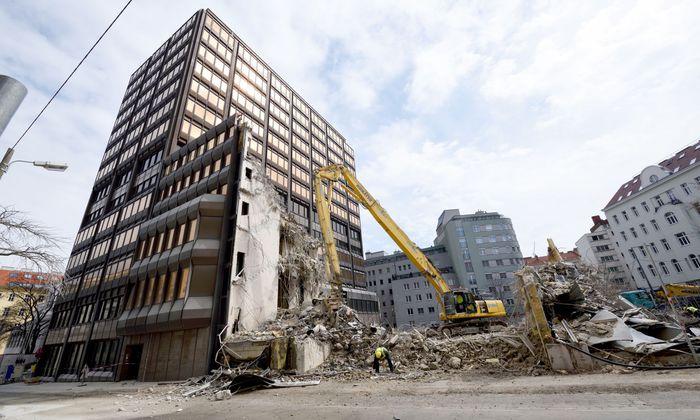 Das Gebäude aus den 1970er-Jahren wird teilweise abgerissen und neu gebaut.