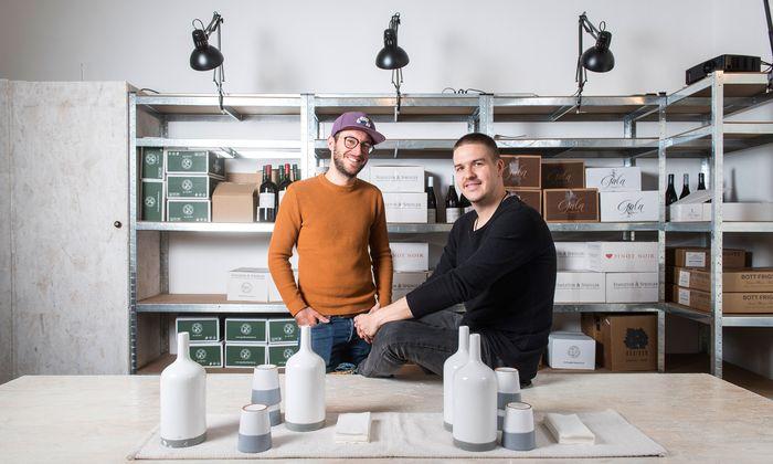 Nachbarn. Marcus Walter und Adam Bencze von Grapes by Roots handeln mit Weinen aus Tschechien, der Slowakei und Ungarn. Nächstes Ziel: Rumänien.