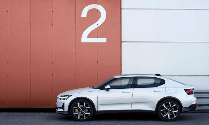 Volvos Elektroauto Polestar 2 sagt Teslas Model 3 den Kampf an