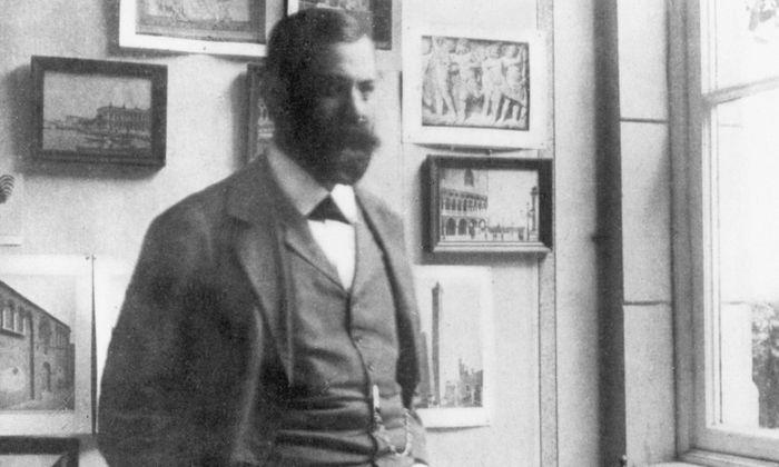 Sigmund Freud in seiner Ordination in der Wiener Berggasse (um 1898)