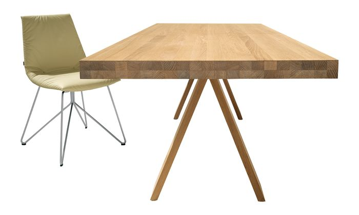 """Flexibel. Der Esstisch ist ein Tisch für alles. Vor allem, wenn er ausziehbar ist. Wie """"Tema"""" von Team 7."""