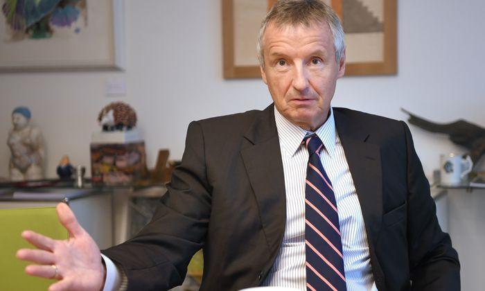 """Ex-ÖVP-Wirtschaftsminister Martin Bartenstein: für eine """"CO2-Bepreisung"""", nicht für eine CO2-Steuer."""
