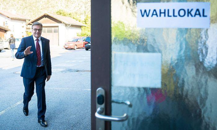 Günther Platter vor der Stimmabgabe am Sonntag, auf einem von ÖVP zur Verfügung gestellten Bild.