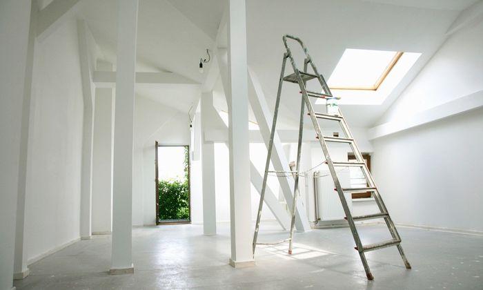 Gerade bei Wohnungskrediten kann die Bearbeitungsgebühr ordentlich ins Geld gehen.