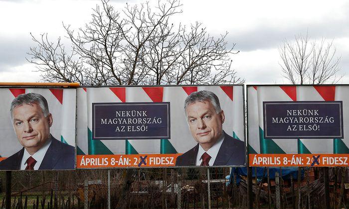 """Nach dem Wahlsieg von Orbán schließt die Zeitung """"Magyar Nemzet""""."""