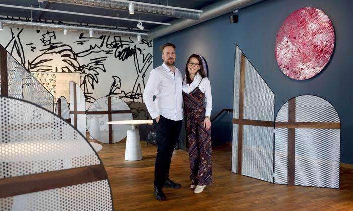 Sören Herzig und seine Verlobte Saskia Leberzipf eröffnen kommende Woche das Restaurant Herzig im 15. Bezirk.