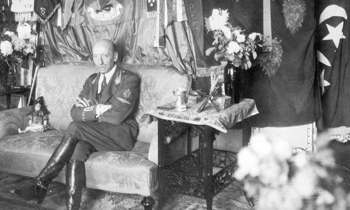 Dichter, Dandy, Flieger, Guru, Militarist und Nationalist: Gabriele D'Annunzio.