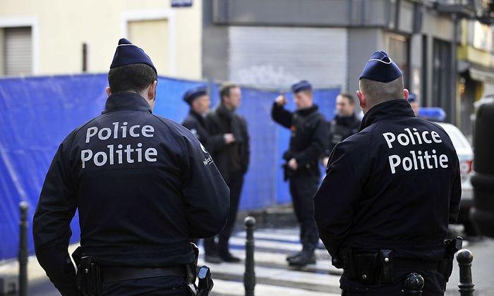 Das Polizeiaufgebot ist groß.